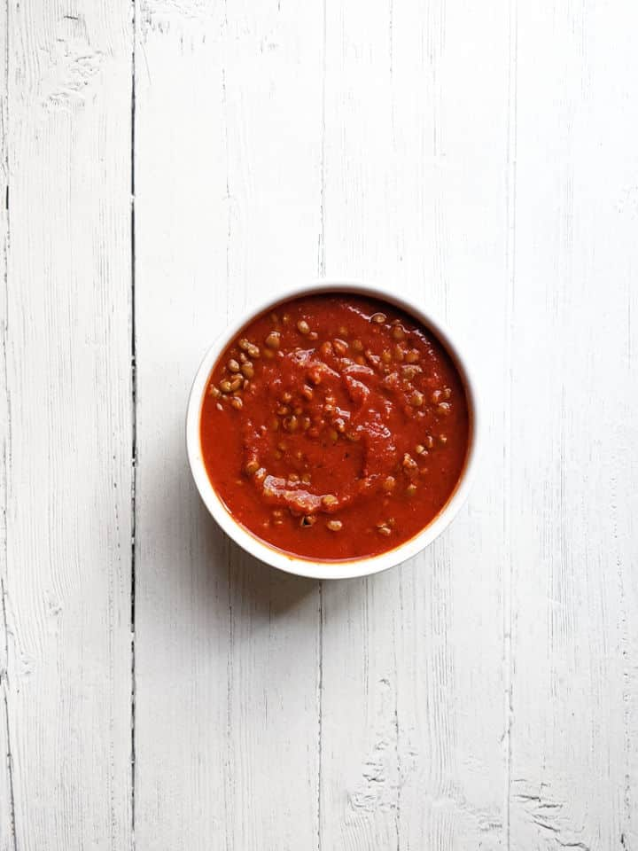 marinara sauce with cooked lentils