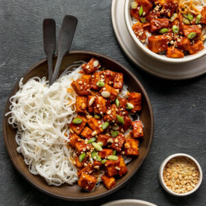 Bake peanut tofu with noodles in a bowl