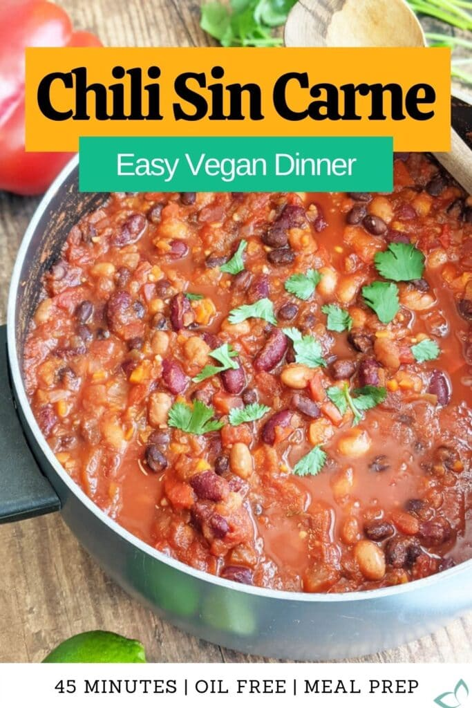 This healthy Chili Sin Carne is the best vegan and vegetarian chili! It's extra hearty using three different beans and is great for meal prep! Make ahead to have delicious meals all week—the flavors get better with time! how to make chili sin carne   vegan chili con carne   vegan chilli   vegetarian chile   easy meal prep recipe