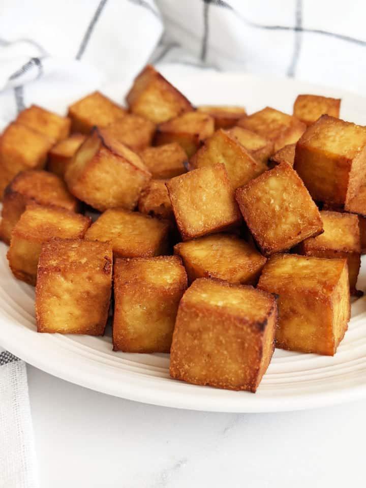 Crispy cubed tofu on a plate